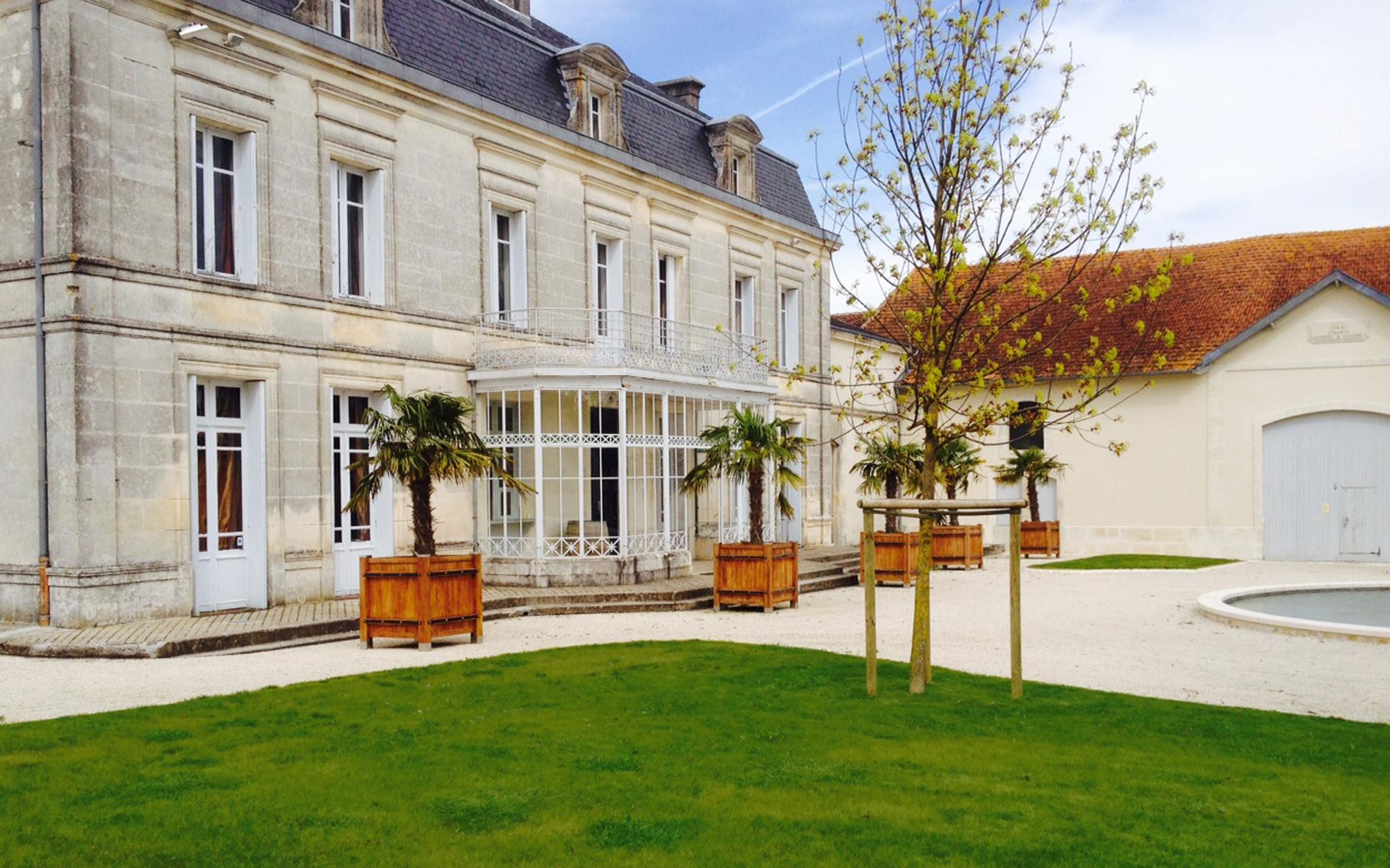 Hélène Soulier paysagiste Bordeaux, enseignante Ecole Nationale Supérieure d'Architecture et du Paysage de Bordeaux, ensapBx, jardins, châteaux, installations, workshops, château Bonbonnet